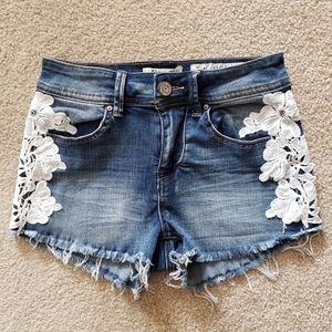 INDIGO REIN Juniors Low Rise denim Shorts, Size 1
